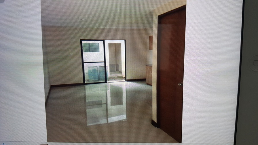 4-bedrooms-apartment-located-in-guadalupe-cebu-city