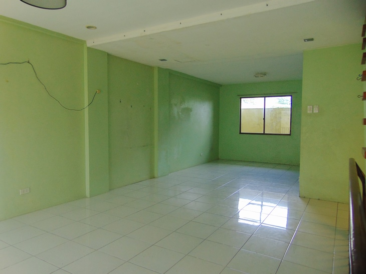 4-bedrooms-apartment-in-banawa-cebu-city