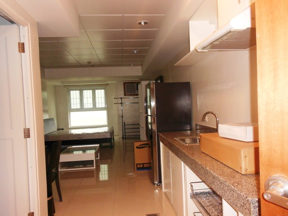 For rent studio condominium near ayala cebu city philippines 38sqm Condo kitchen design philippines