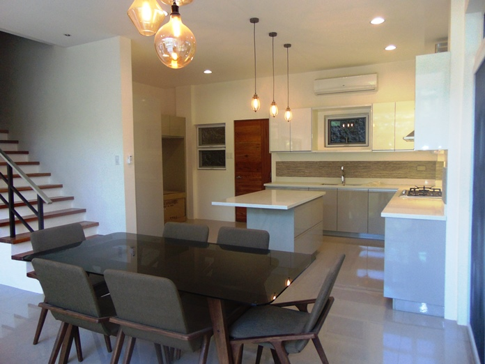 5-bedroom-house-for-rent-located-in-banilad-cebu-city-fully-furnished