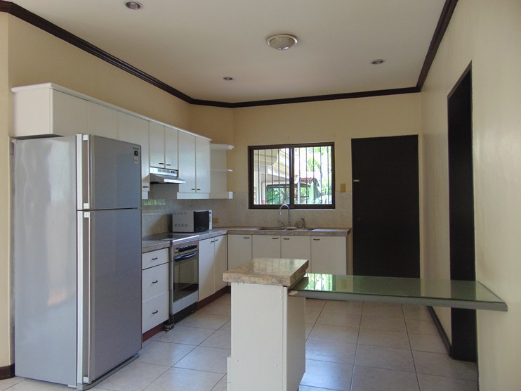 5-bedroom-furnished-house-in-banilad-cebu-city