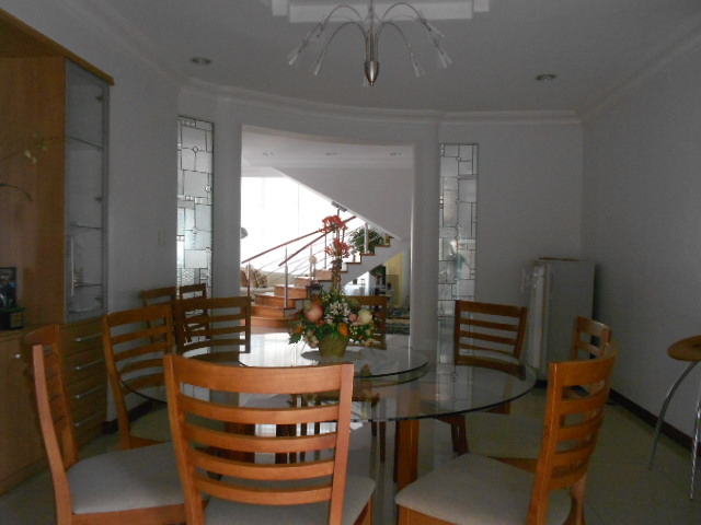 4-large-bedrooms-house-in-guadalupe-cebu-city-semi-furnished