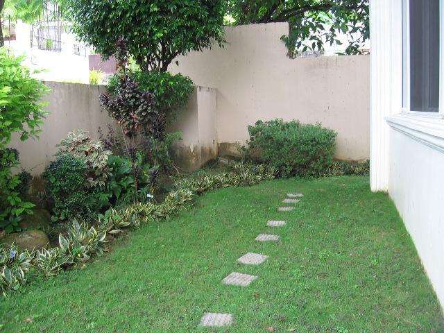 semi-furnished-house-with-swimming-pool-in-banilad-cebu-city