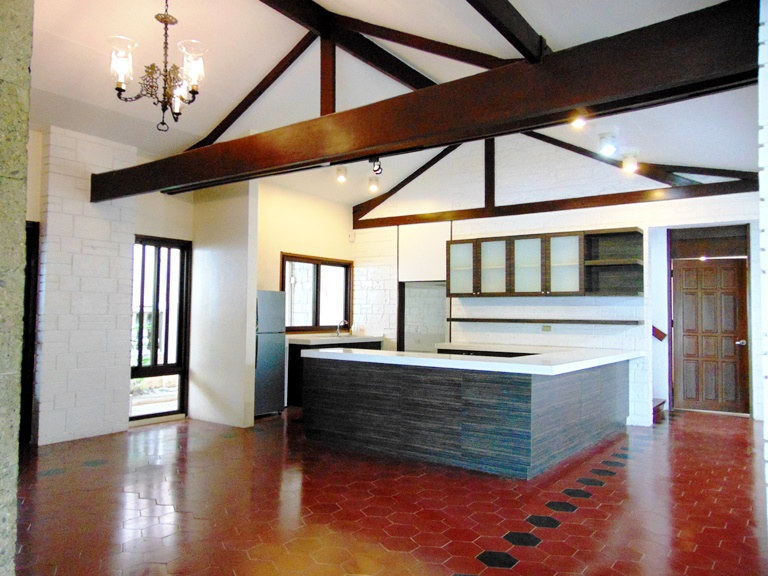 house-located-in-banilad-cebu-city-4-bedrooms