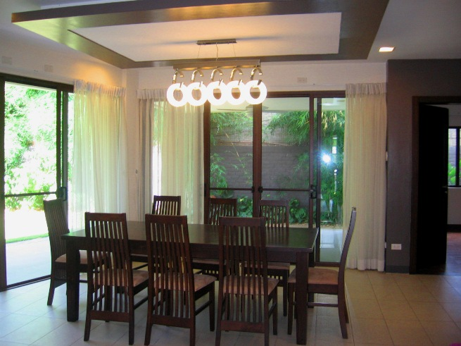 house-in-banilad-cebu-city-5-bedroom-and-spacious
