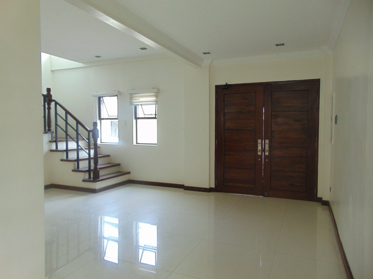 5-bedroom-un-furnished-house-in-banilad-cebu-city