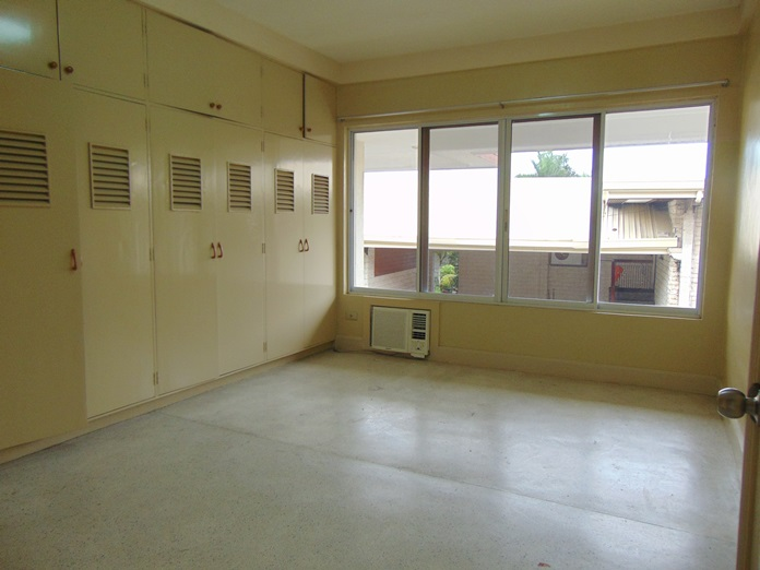 8-bedrooms-house-located-in-banilad-cebu-city