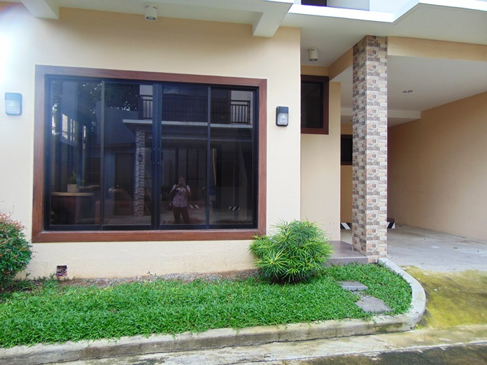 4-bedroom-unfurnished-apartment-located-in-guadalupe-cebu-city