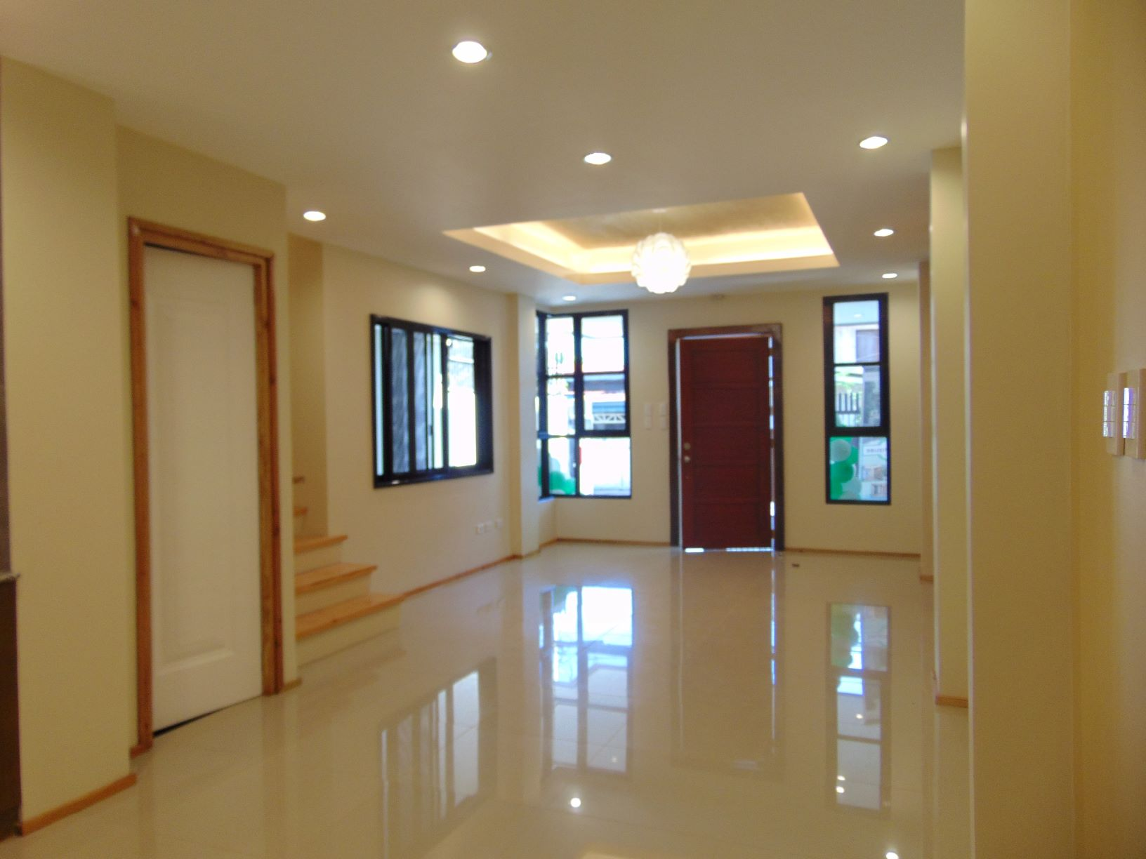 5-bedroom-newly-built-house-in-punta-princesa-cebu-city-with-4-suv-car-parking
