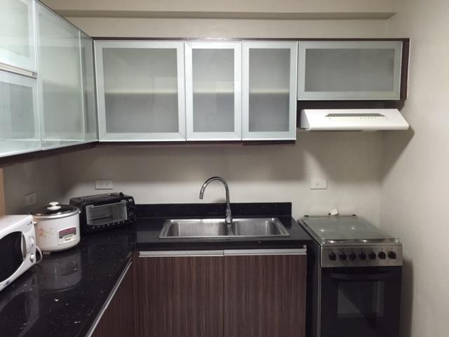 2-bedrooms-furnished-in-avalon-condominium-cebu-business-park-ayala