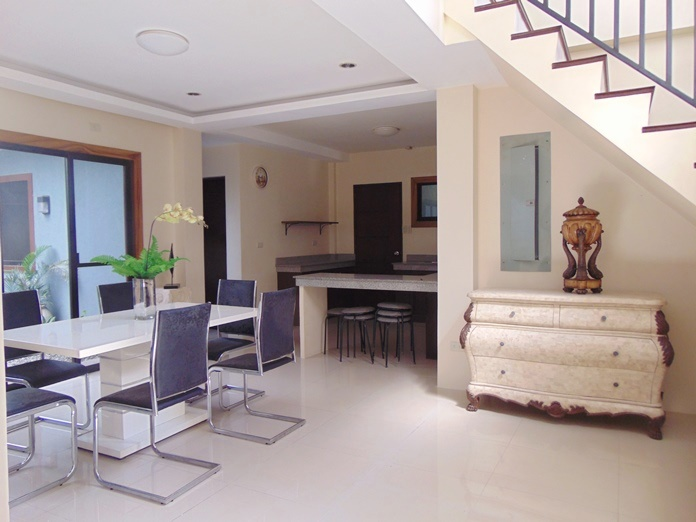 5-bedroom-semi-furnished-house-for-rent-in-guadalupe-cebu-city