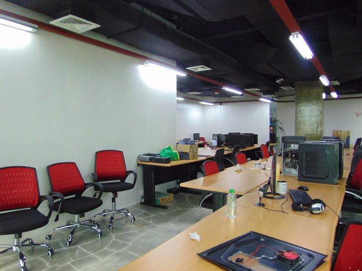 office-space-in-cebu-business-park-city-cebu-189-square-meters