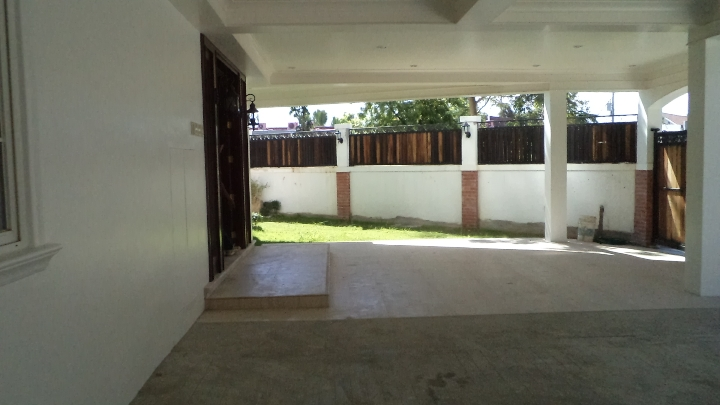 white-sands-house-for-sale-in-maribago-lapu-lapu-city-cebu-4bedroom