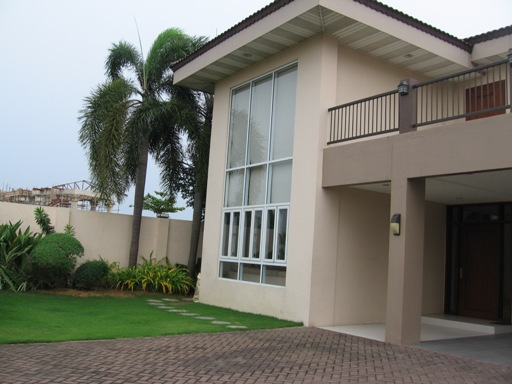 4-bedroom-house-with-swimming-in-maribago-lapu-lapu-city-cebu