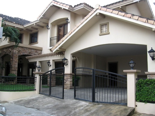 house-for-rent-with-swimming-pool-in-banilad-city-cebu-5-bedroom