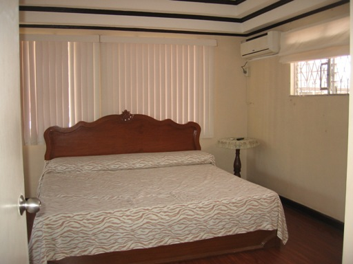 spacious-house-located-in-lahug-cebu-city-4-bedrooms-furnished