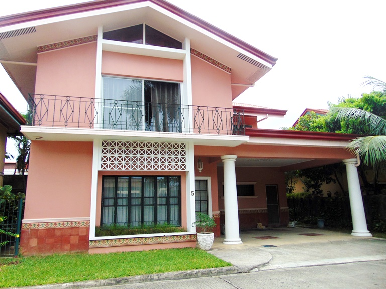 semi-furnished-house-3-bedrooms-in-banilad-cebu-city