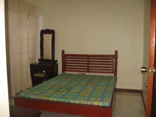house-for-rent-in-banilad-cebu-city-3-bedrooms-semi-furnished