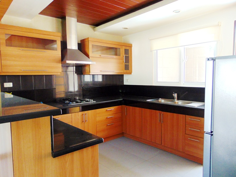 4-bedroom-fully-furnishes-house-in-banilad-cebu-city