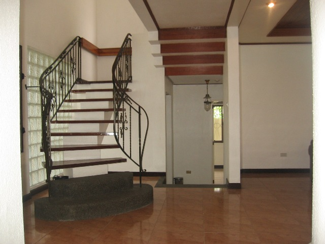 semi-furnished-house-and-lot-located-in-banilad-cebu-city