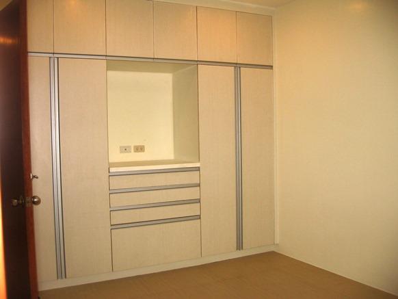 nice-house-semi-furnished-in-banilad-cebu-city-3-bedrooms