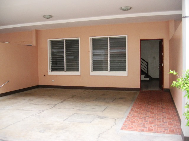 3 Bedrooms Apartment Located In Mabolo Cebu City