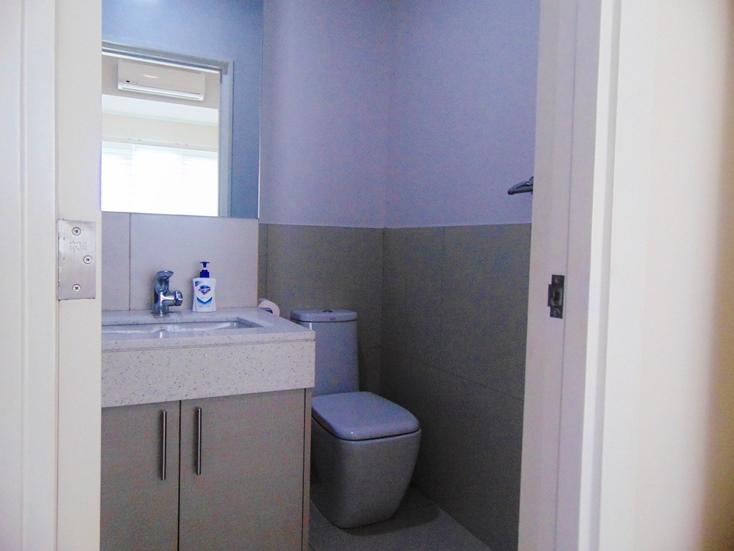 2-bedroom-calyx-condominium-for-rent-in-cebu-business-park-cebu-city-sea-view