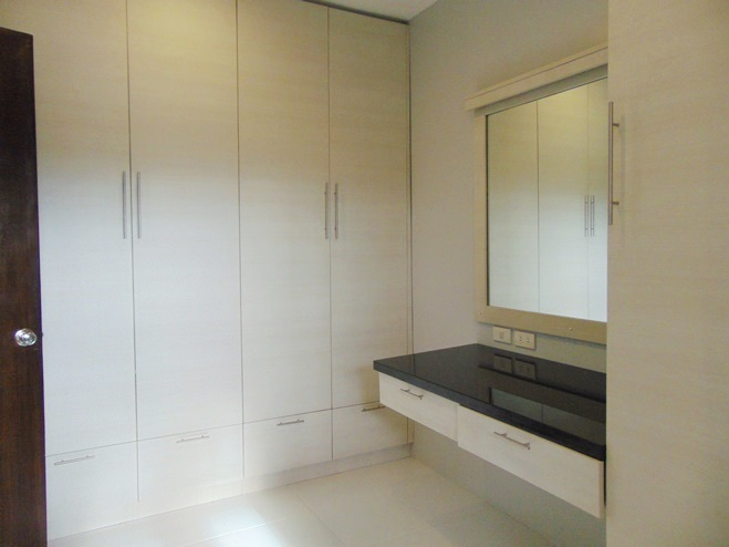 4-bedroom-furnished-townhouse-and-lot-for-sale-in-canduman-mandaue-city-cebu