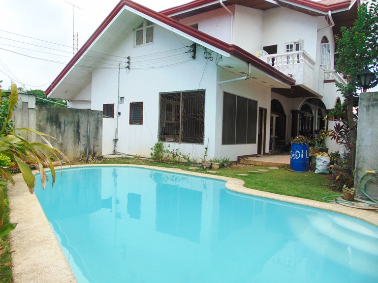 Casa rosita villas luxury house and lot for sale in banawa cebu city for House with swimming pool for rent in quezon city