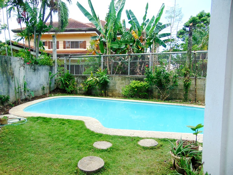4 bedrooms house with swimming pool in banilad cebu city - Houses with swimming pools for rent ...
